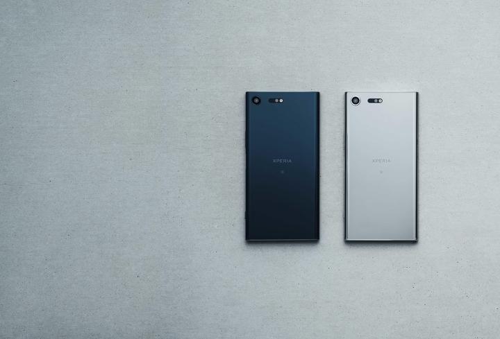 Xperia™ XZ Premium搭載的5.5吋4K HDR螢幕,採高通S835處理器,將於2017年春季下旬於全球上市,提供鏡銀與鏡黑兩種顏色